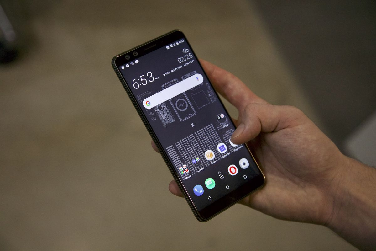 HTC launches mobile phone Exodus with dApp